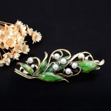 Women's Vintage Style Wood Lily Hair Clip