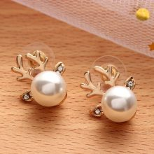 Women's Deer Shaped Pearl Earrings