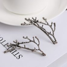 Women's Leaves Shaped Metal Hair Clips 2 Pcs Set
